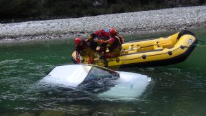 river_rescue_auto_in_fiumeDSC00163_tn