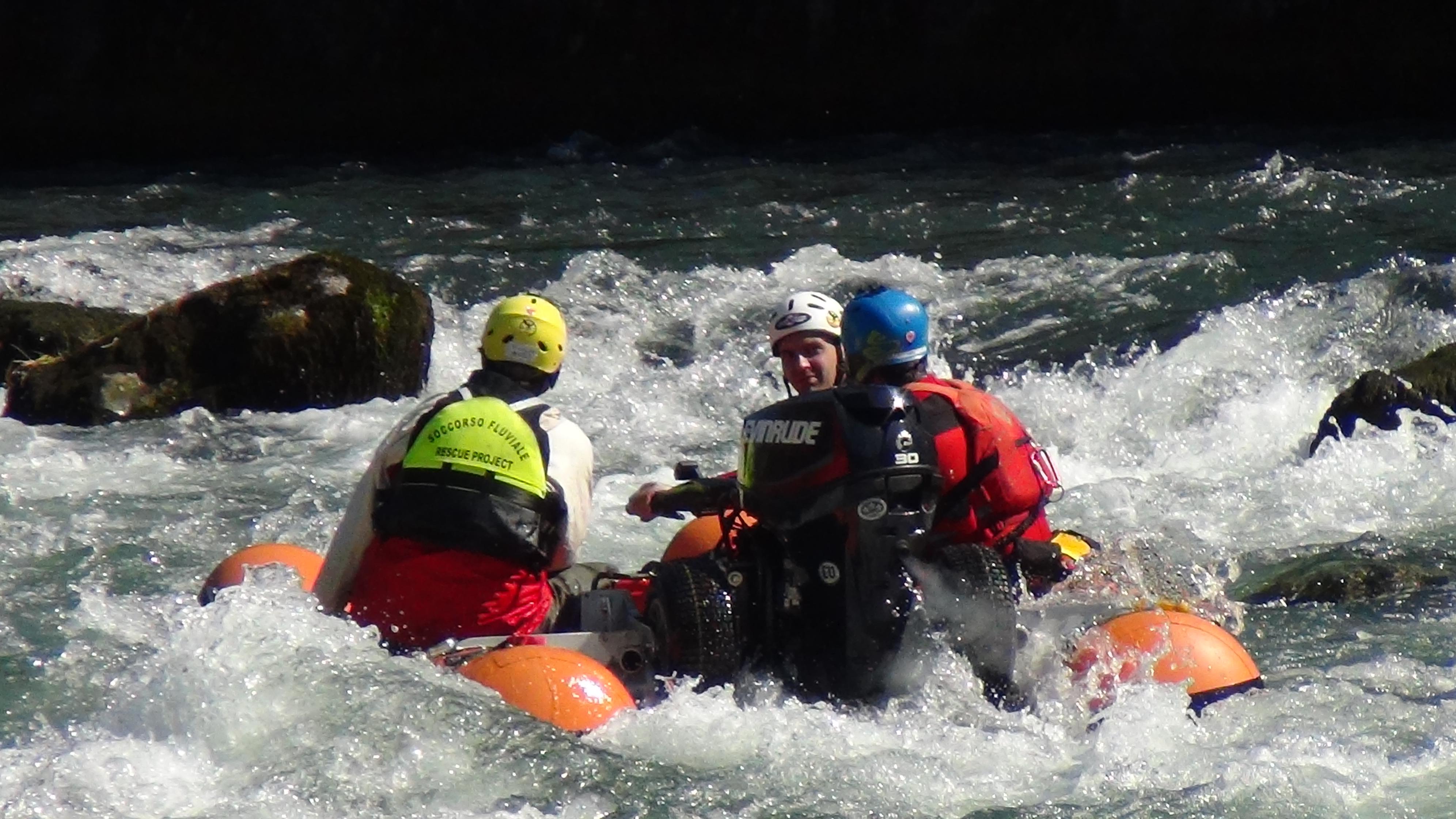 Come comportarsi in alluvione per civili e squadre di soccorso
